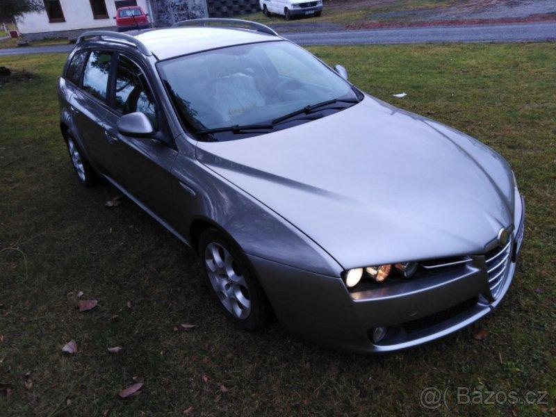 v autoservisu Alfa Romeo prodám Alfa Romeo 159